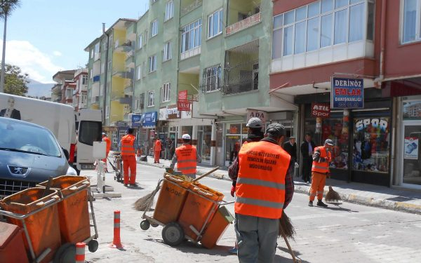 Maintenance & waste collection services authorised by Niğde Municipal
